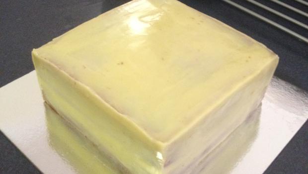 Chocolate Mud Cake White Icing