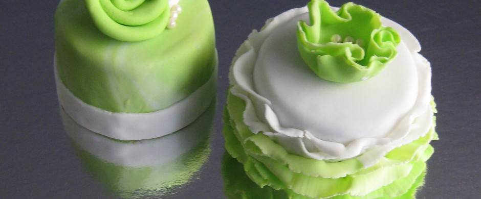 Two of my 'sophisticated-green' mini cakes for St Patrick's Day 2013