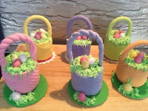 As an added feature the ones on the cake boards had an extra patch of grass/flowers and an egg.