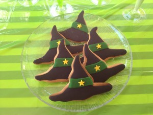 Witches hat cookies too..fondant covered.